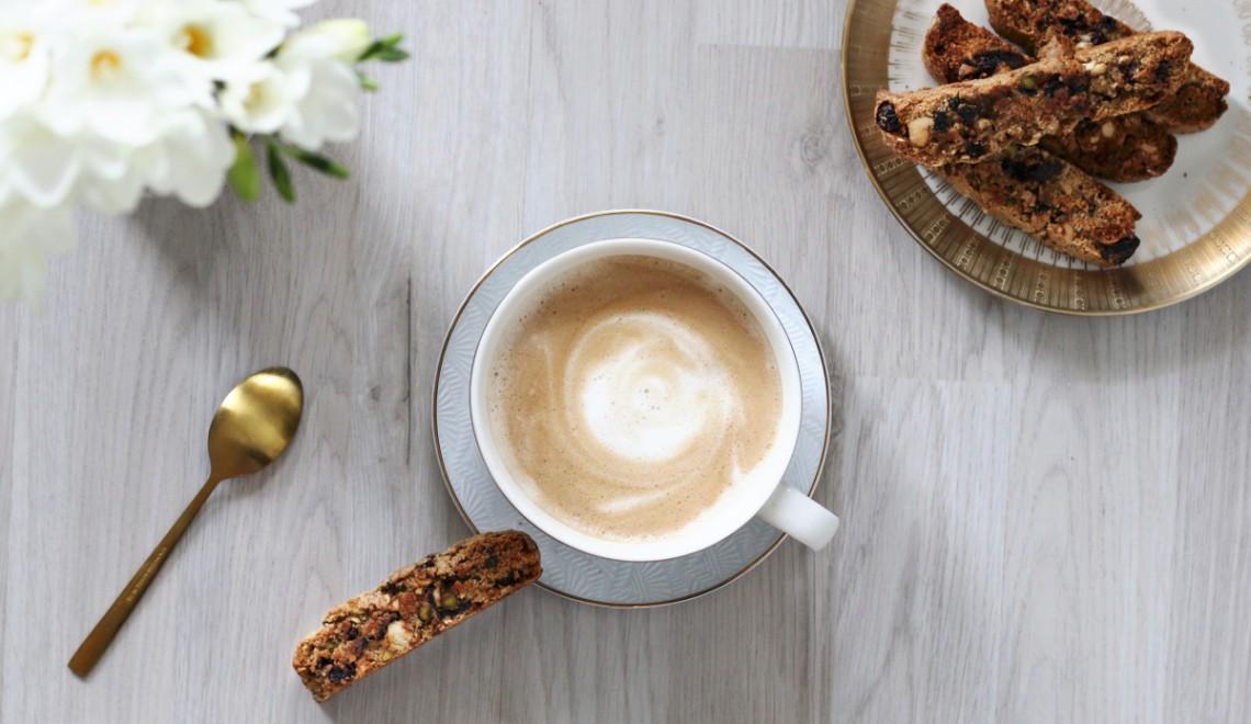 Das perfekte Gebäck zum KaffeeCantuccini mit Sauerkirschen & Pistazien